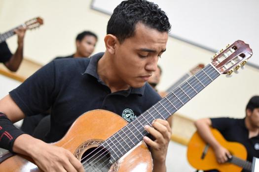 Rafael Emilio Villegas Velaides - Artistas Festival Internacional de Guitarra Cartagena